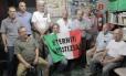 Grupo de ex-funcionário da Eternit expostos ao amianto em Osasco
