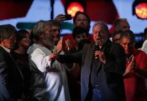 Lula discursa no aniversário de 36 anos do PT, no Rio Foto: Alexandre Cassiano / Agência O Globo