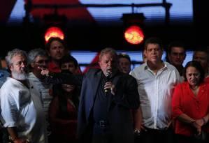 Lula discursa no aniversário do PT Foto: Alexandre Cassiano / Agência O Globo