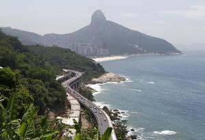Obra de duplicação do Elevado do Joá, que também ganhará uma nova ciclovia Foto: Luiz Ackermann / Agência O Globo