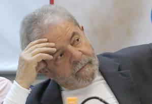 PGR diz que ex-presidente Lula pode ter recebido favores de empreiteiras Foto: Marcos Alves / Agência O Globo