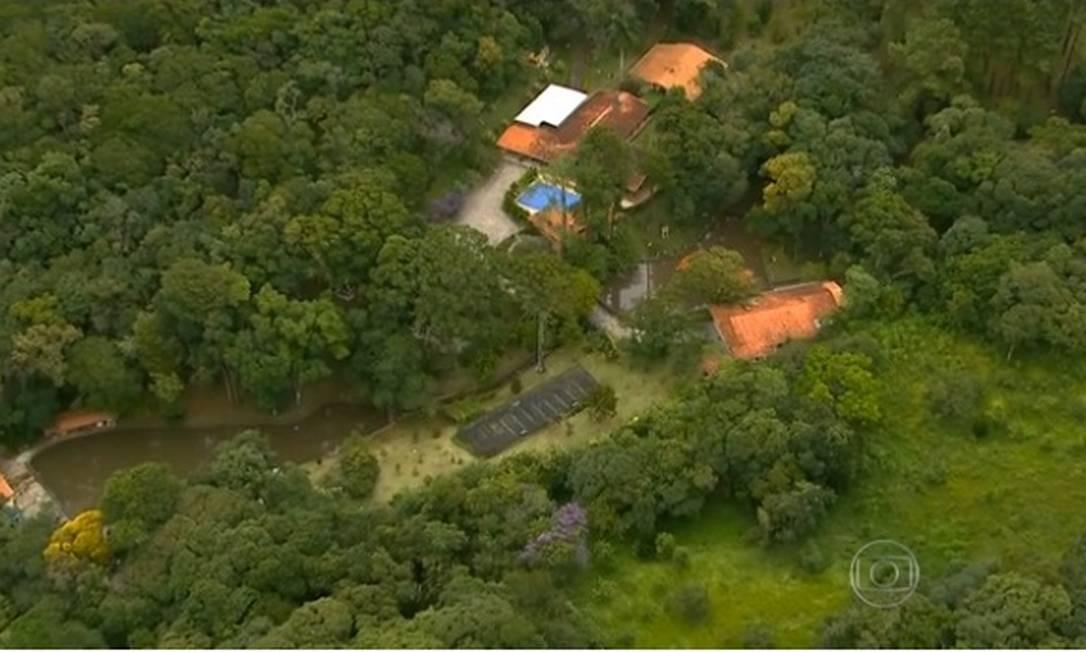 Vista aérea do sítio Santa Bárbara, em Atibaia (SP), frequentado pelo ex-presidente Lula Foto: Reprodução TV Globo