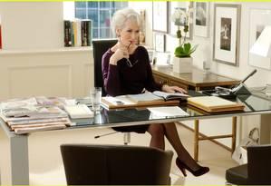 A atriz Meryl Streep no papel de Miranda Prisley, no filme