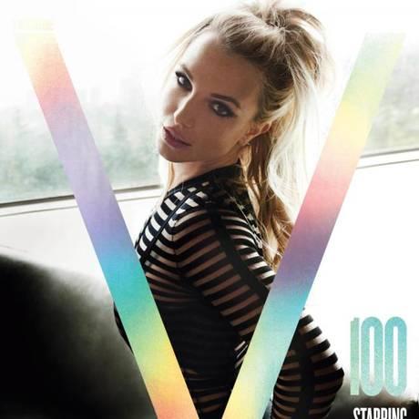 Britney Spears na capa da 100ª edição da revista 'V' Foto: Reprodução
