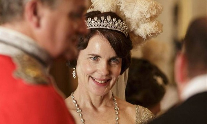 Elizabeth McGovern como Lady Cora em 'Downton Abbey' Foto: Divulgação