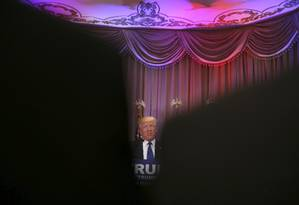 Trump faz discurso em seu resort na Flórida Foto: DAMON WINTER / NYT