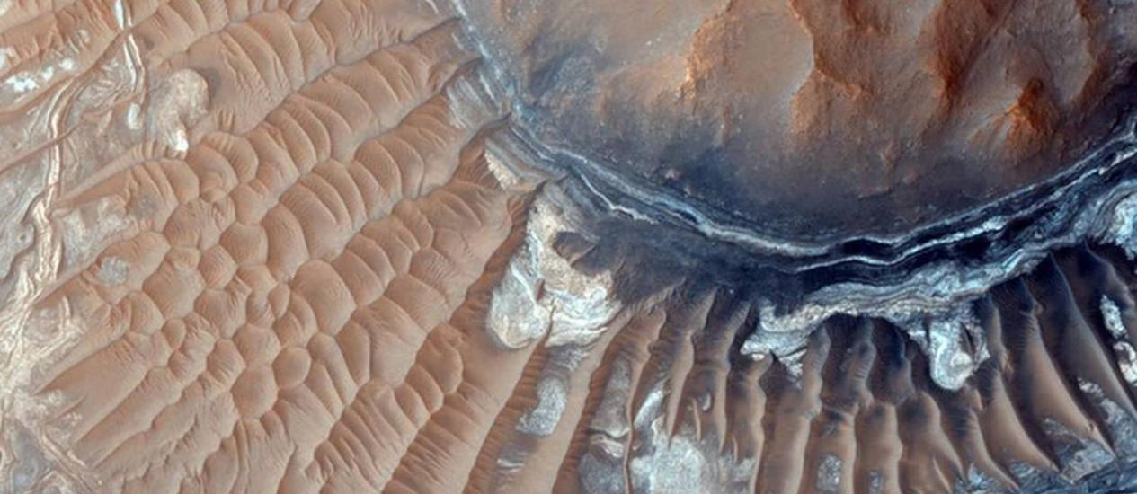 Superfície de Marte. Imagens demonstram a existência de antigos leitos Foto: Divulgação/NASA /JPL-Caltech/U / Divulgação/NASA /JPL-Caltech/Universidade do Arizona