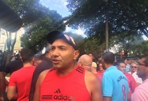 O motorista Adelino Jerônimo, pró-Lula, durante protesto em São Bernardo Foto: Mariana Sanches/Agência o Globo