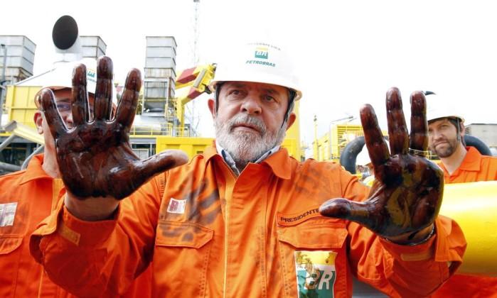 Lula recebeu alerta sobre corrupção na Petrobras ainda no seu governo