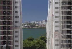 Crédito imobiliário caiu de quase R$ 113 bilhões em 2014 para R$ 75 bilhões em 2015 e deve ficar em R$ 50 bilhões este ano Foto: Márcia Foletto / Agência O Globo