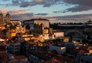 Vista. A Sé do Porto ao fundo e a ponte Dom Luís I, à direita Foto: The New York Times / Daniel Rodrigues
