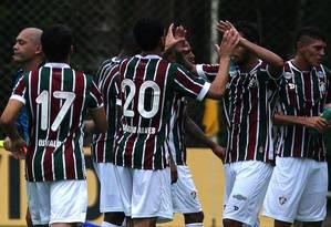 Jogadores do Fluminense comemoram o gol de Magno Alves na vitória sobre o América Foto: Nelson Perez/Divulgação Fluminense