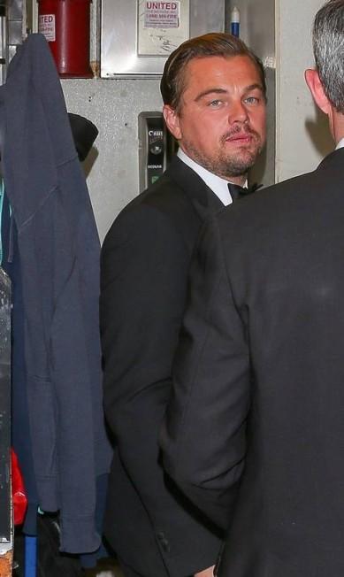 Após ganhar seu primeiro Oscar, DiCaprio reuniu os amigos no restaurante Ago, em West Hollywood. Segundo o site do local, os preços ficam entre US$ 12 e US$ 48 AKM-GSI
