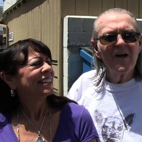 Lana Rae e Randy Meisner em entrevista há cerca de um ano Foto: Reprodução/TMZ