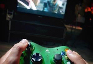 Cientistas querem analisar como o videogame pode ser integrado em reabilitação de pacientes Foto: Reed Saxon/AP