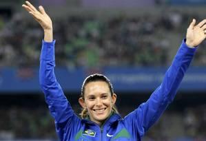 Fabiana Murer comemora o ouro na etapa de Daegu da Copa do Mundo, em 2011 Foto: Lee Jae-Won / REUTERS