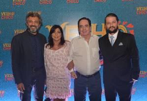 Domingos Montagner, Edilene Barbosa, Benedito Ruy Barbosa e Marcelo Serrado na festa de lançamento de 'Velho Chico' Foto: TV Globo/Divulgação