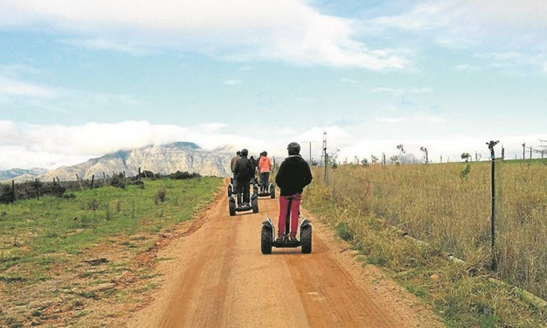 O percurso de Segway pode durar até duas horas na Cidade do Cabo Foto: Adalberto Neto/Agência O Globo