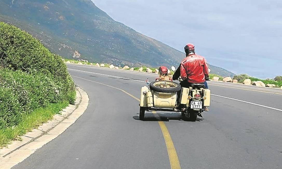 Passeio de sidecar pode ser de duas, quatro ou oito horas na Cidade do Cabo Foto: Adalberto Neto