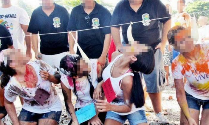 Calouras tiveram que simular sexo oral com camisinhas cheias de leite condensado Foto: Arquivo pessoal