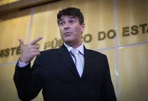 O promotor Cássio Conserino pediu a prisão preventiva do ex-presidente Lula no caso do tríplex do Guarujá Foto: Marcos Alves / Agência O Globo