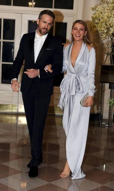 As estrelas de uma festa na Casa Branca deveriam ser o presidente americano e os chefes de Estado convidados, certo? Na noite de quinta-feira, no entanto, quem roubou a cena no jantar em homenagem ao primeiro-ministro do Canadá, Justin Trudeau, foi a atriz americana Blake Lively e o marido canadense, Ryan Reynolds MARY F. CALVERT / REUTERS
