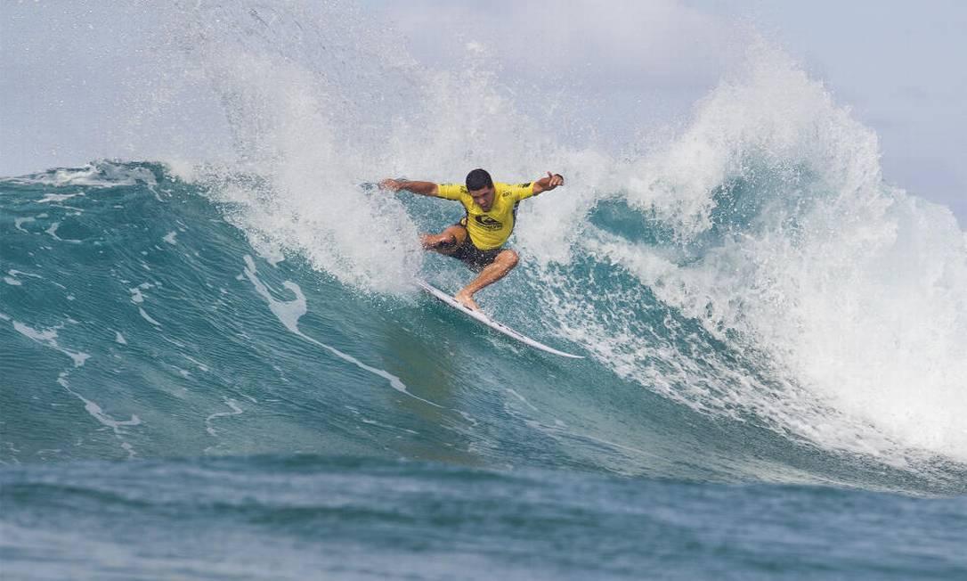 Começou nesta sexta-feira o Mundial de Surfe em Gold Coast, na Austrália. O atual campeão mundial, Adriano de Souza foi derrotado na primeira rodada Divulgação/WSL