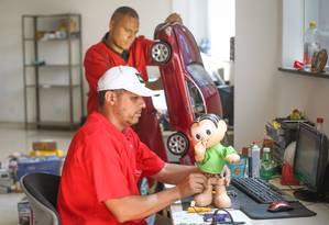 Crise economica. Hospital de bonecas e brinquedos em São Paulo vem registrando aumento da demanda Foto: Marcos Alves / Agencia O Globo / Marcos Alves / Agencia O Globo