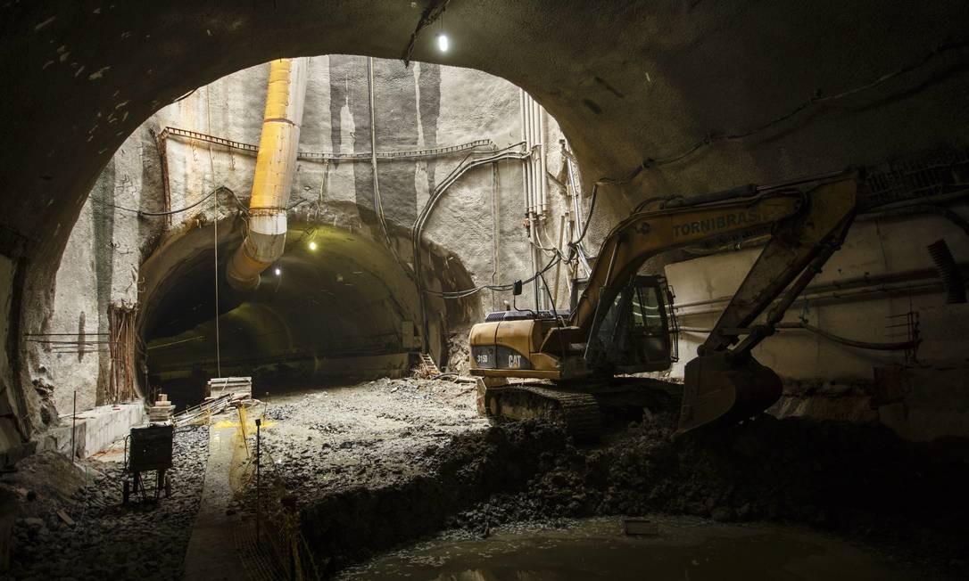 Com 3km de extensão, túnel fará a ligação do Aterro do Flamengo com a Avenida Brasil e a Ponte Rio-Niterói Foto: Fernando Lemos / Agência O Globo
