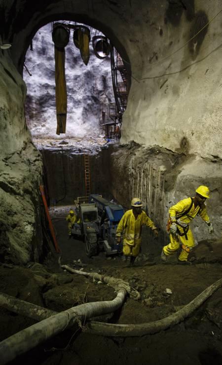 Faltam somente cinco metros para terminar a escavação Foto: Fernando Lemos / Agência O Globo