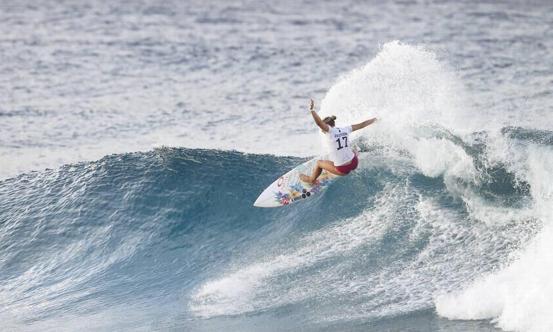 A americana Sage Erickson enfrentará na quarta rodada a australiana Keely Andrew Foto: Divulgação/WSL