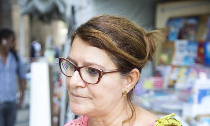 Rosália Rodrigues, 59 anos, professora Foto: Mônica Imbuzeiro / Agência O Globo