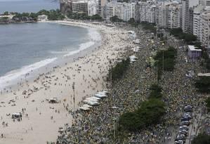 Manifestação em Copacabana Foto: Pablo Jacob / Agência O Globo