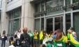 Manifestação reuniu dezenas em Washington