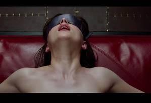 Cena do filme 'Cinquenta tons de cinza': fetiches são mais comuns do que se imagina, diz estudo Foto: Universal Pictures and Focus Features