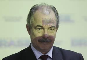 O ministro da Educação, Aloizio Mercadante: resposta por escrito Foto: André Coelho / Agência O Globo