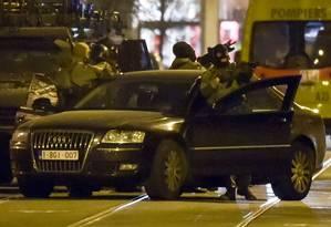 Polícia especial antiterror faz operação em Bruxelas Foto: Geert Vanden Wijngaert / AP