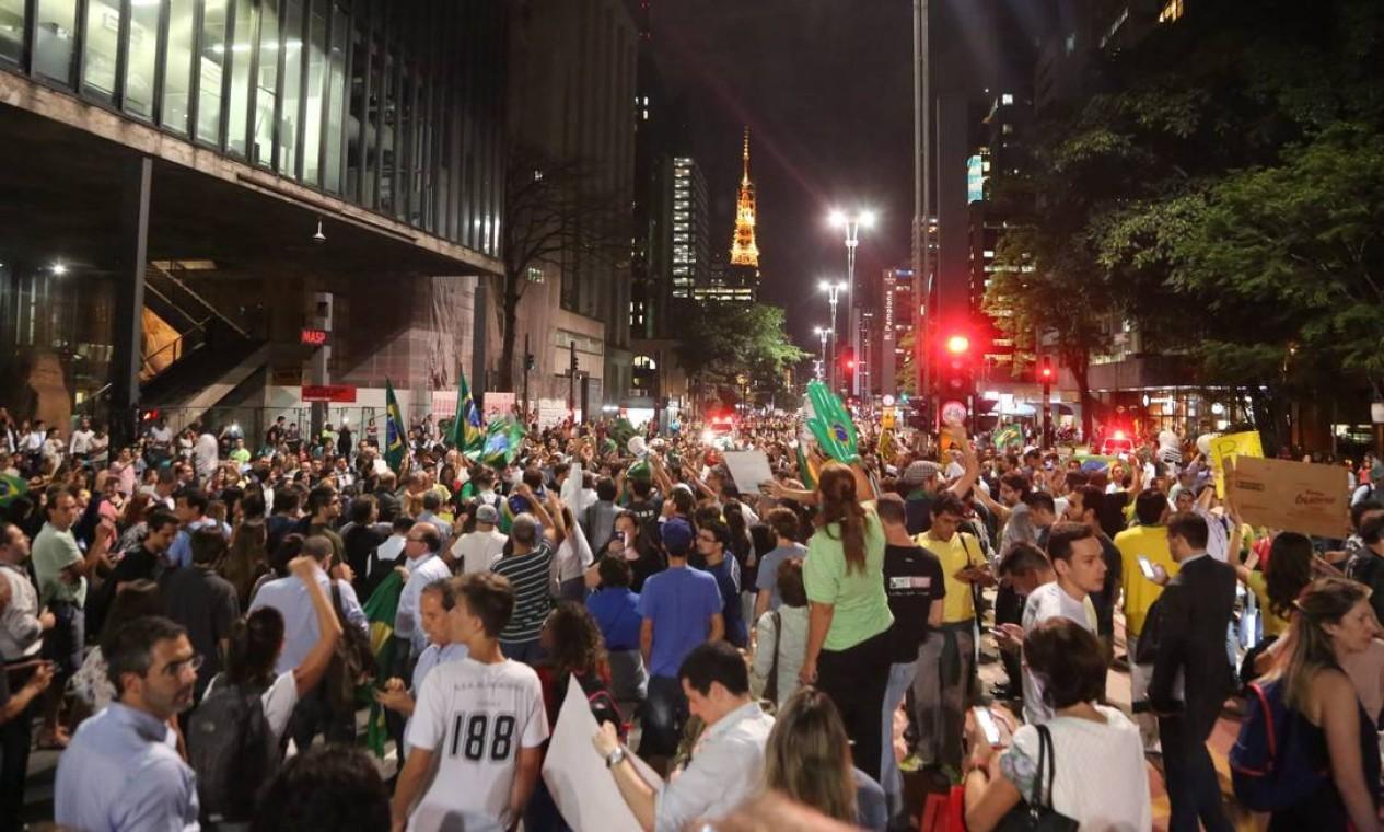 O grupo se concentrou no vão livre do Masp Foto: Marcos Alves / Agência O Globo