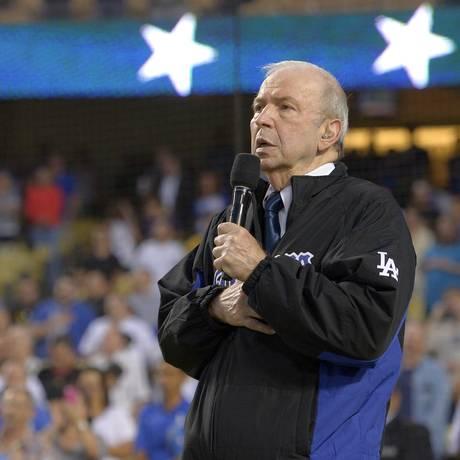 Frank Sinatra cantou hino nacional em jogo dos Yankees em 2015 Foto: Mark J. Terrill / AP