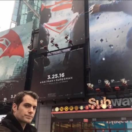 Henry Cavill como o Super-Homem em Nova York Foto: Reprodução