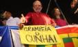 Lula participa de protesto na Avenida Paulista contra o impeachment de Dilma; em cima de carro de som, o petista discursou por meia hora.
