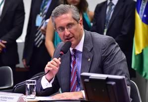 Presidente da Comissão do Impeachment, Rogério Rosso Foto: Zeca Ribeiro / Agência Câmara