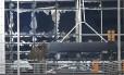 Vidraças do aeroporto Zaventem em Bruxelas foram destruídas em uma das explosões da série de atentados sofridos na capital belga, que atingiu tambem estações do metro, matando ao menos 26 pessoas. o EI reinvindicou a responsabilidade