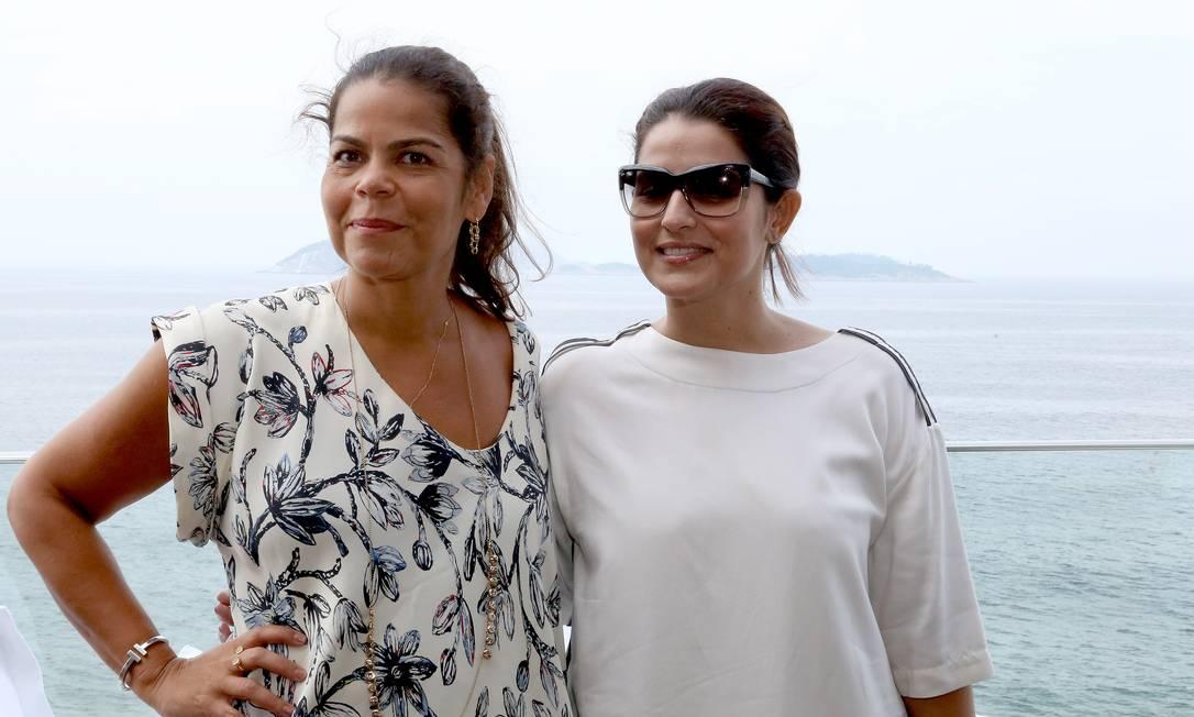 A diretora de redação da Vogue Brasil, Daniela Falcão, e a editora do Caderno Ela, Renata Izaal (na foto, a partir da esquerda), lançaram nesta quarta-feira o Veste Rio, evento em parceria com as duas publicações que movimentará a moda carioca entre 11 a 13 de maio, na Marina da Glória Eduardo Garcia Uzal