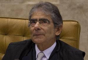 """Sem personificação. Para o ex-ministro Ayres Britto, """"as pessoas não devem ver a figura de Moro nem a de Teori"""" Foto: 14-11-2012 / André Coelho"""