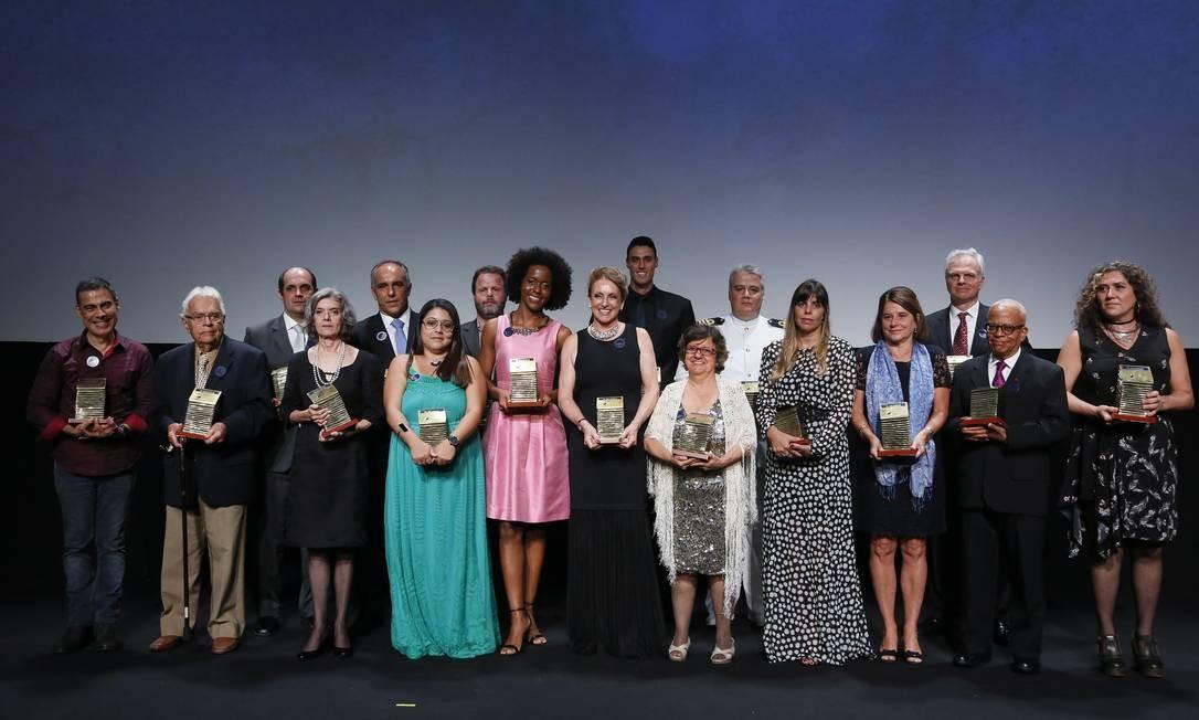 Todos os premiados ao final da solenidade no Copacabana Palace Foto: Pablo Jacob