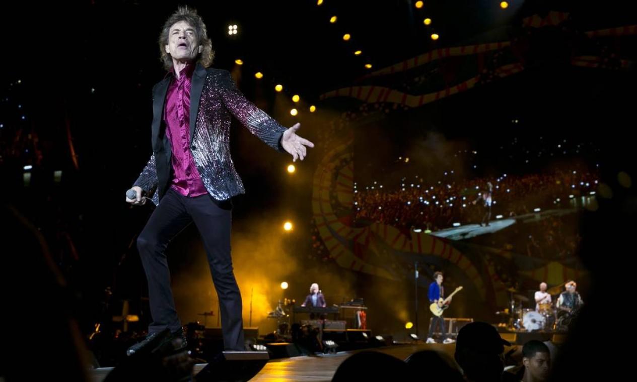 Como costume na turnê sul-americana, o show teve 18 músicas, incluindo sucessos da longa carreira e uma escolhida pelo público, 'All down the line' Foto: Enric Martí / AP