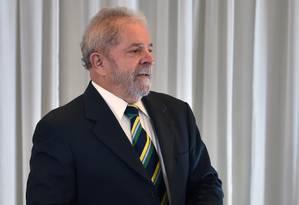 Ex-presidente Lula fala durante coletiva com mídia internacional em São Paulo Foto: AFP/Nelson Almeida