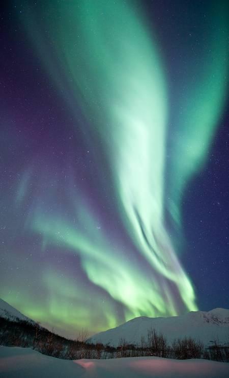 Aurora Boreal em Kattfjordeidet, Kvaloya, no município de Tromso, no norte da Noruega Foto: GAUTE BRUVIK/Visit Norway/Divulgação / GAUTE BRUVIK/Visit Norway/Divulgação