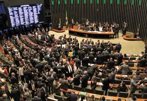 O plenário da Câmara dos Deputados na sessão do dia 17 de março, que aprovou a composição da comissão de impeachment Foto: Ailton de Freitas / Agência O Globo / 17-3-2016